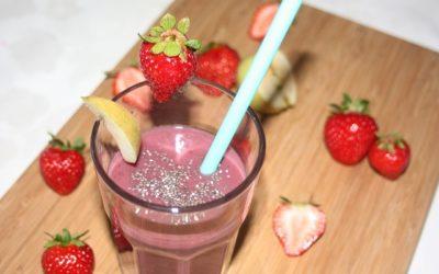 Apfel-Erdbeer-Smoothie mit Chia Samen