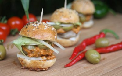 Mini Burger mit Pesto, Chia Samen und Maca